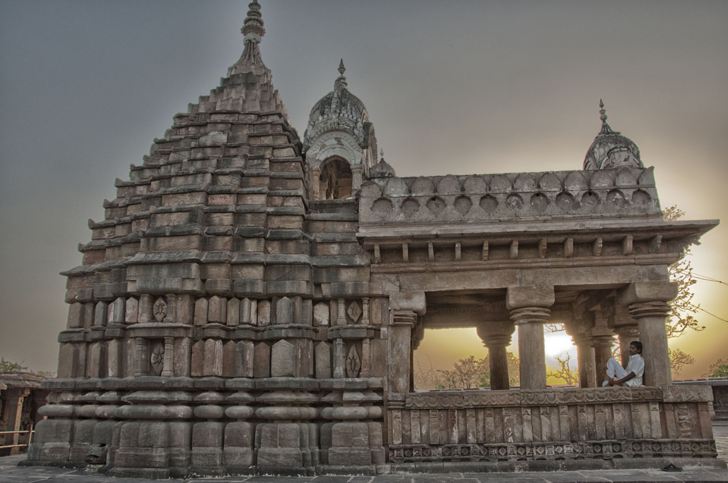 11 Temples You Must Visit in Jabalpur Irrespective of Your Religion